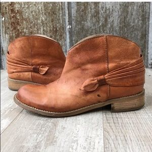 ANTHROPOLOGIE Miss Albright Darla Ankle Bootie 7B